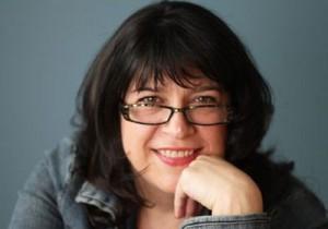 Como se llama la autora de la novela 50 Sombras del Grey