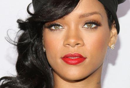 Como se llama Rihanna