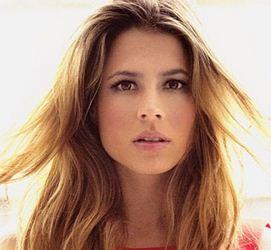 Como se llama la actriz que hace de Talita en Cumbia Ninja Carla Giraldo