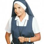 Como se llama la actriz que hace de Madre Superiora en Esperanza Mía