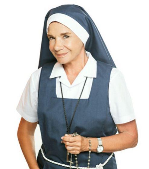 Ana María Picchio es la Madre Superiora en Esperanza Mía