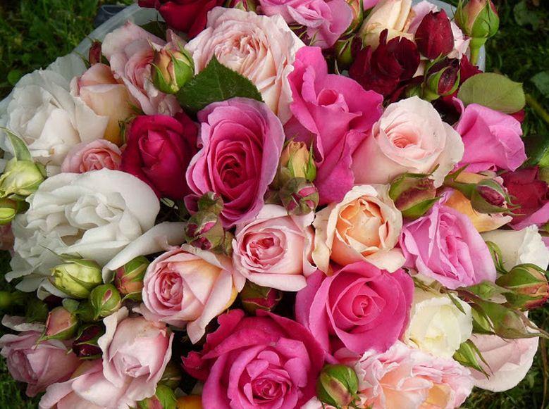 Como se llama un conjunto de rosas Bouquet