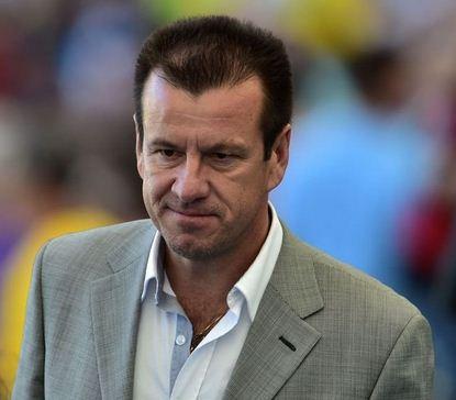 Como se llama el técnico de la selección de Brasil