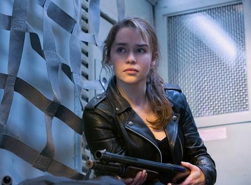 Como se llama la actriz que hace de Sarah Connor en Terminator Genesis