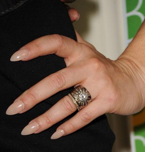 Como se llaman las uñas puntiagudas