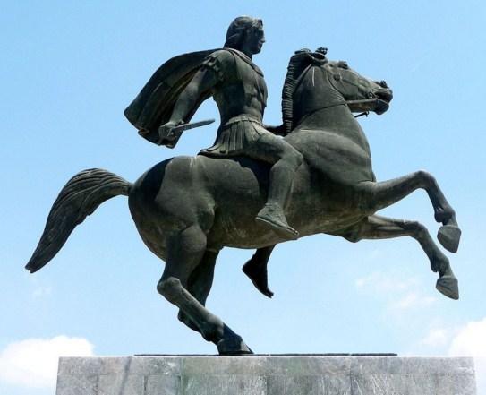 Como se llamaba el caballo de Alejandro Magno
