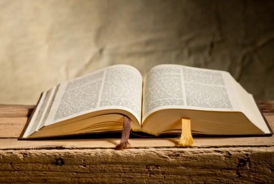 Como se llama el primer libro de la Biblia