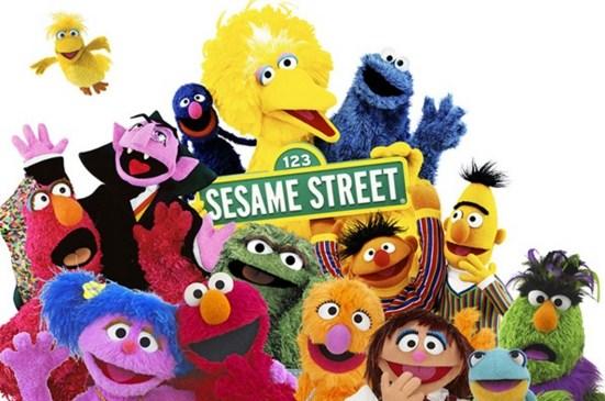 Como se llaman los personajes de Plaza sesamo