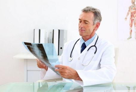 Como se llama el especialista en riñones
