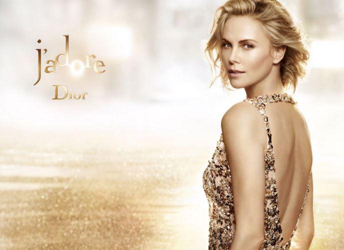 Como se llama la modelo del perfume J'Adore