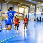Como se llama la linea punteada en handball