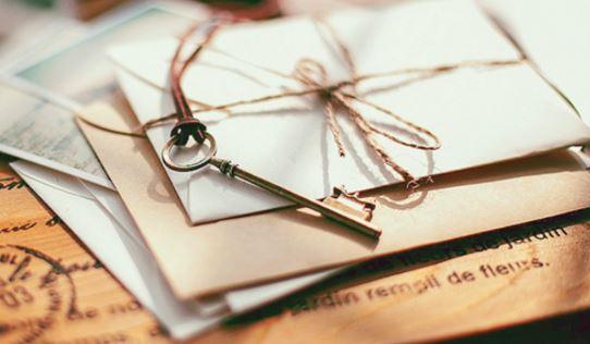 Remitente persona que envia una carta