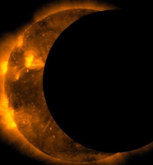 Como se llama el sol y la luna juntos