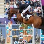 Como se llama el deporte donde saltan los caballos