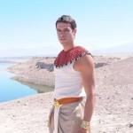 Como se llama el actor que hace de Moises en la novela Moises y los 10 mandamientos
